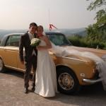 Ruth Evans Fotos aus Hochzeit Auto